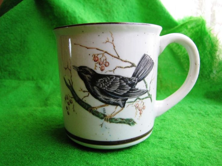 Vintage Japan collection COFFEE TEA MUG cup Berries Bird