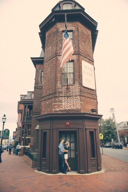 Historic Annapolis Maryland Engagement Session in front of Maryland Inn |  Jim Kennedy Photographers