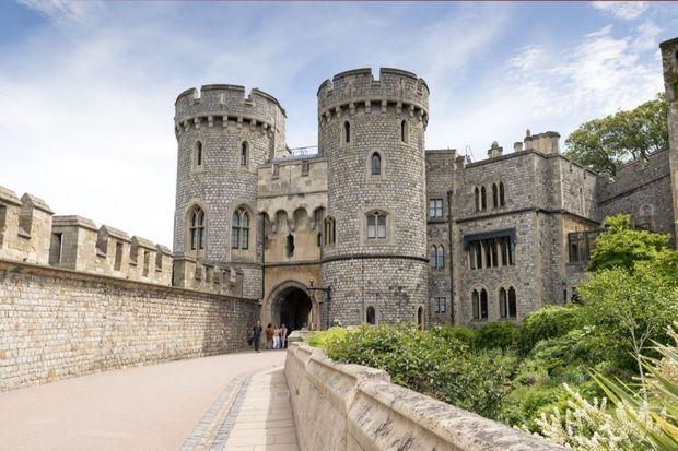 Windsor Castle is niet alleen het favoriete kasteel van koningin Elizabeth, maar ook van de rest van de Britten. Dat blijkt uit een enquete van de TV on-demand service UKTV Play.