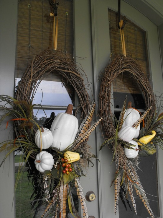 Love these wreaths.Thanksgiving Wreaths, Decor Ideas, Porches Decor, Fall Decor, Front Doors, Fall Wreaths, White Pumpkin, Fall Porches, Autumn Wreaths