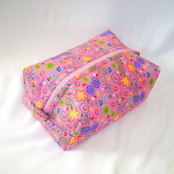 Hey, I found this really awesome Etsy listing at https://www.etsy.com/listing/202254464/pink-makeup-bag-cosmetic-bag-boxy-bag