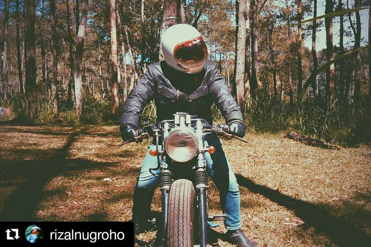 """#Repost @rizalnugroho ・・・ Where are you riding to this weekend? ∵ ∵ Bike: Honda GL 200 ∵ ∵ #caferacerculture #caferacer_ID #caferacerindonesia #brat…"""