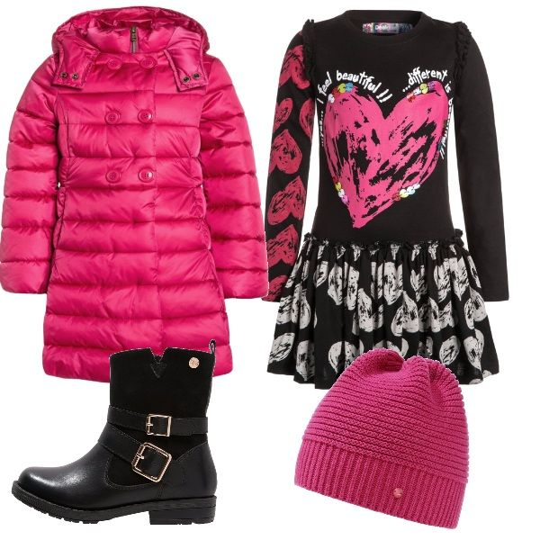 Per una festa di compleanno: vestitino di maglina con sfondo nero e stampe grigie e fucsia, cappottino imbottito fucsia, stivaletti neri e berretto fucsia.