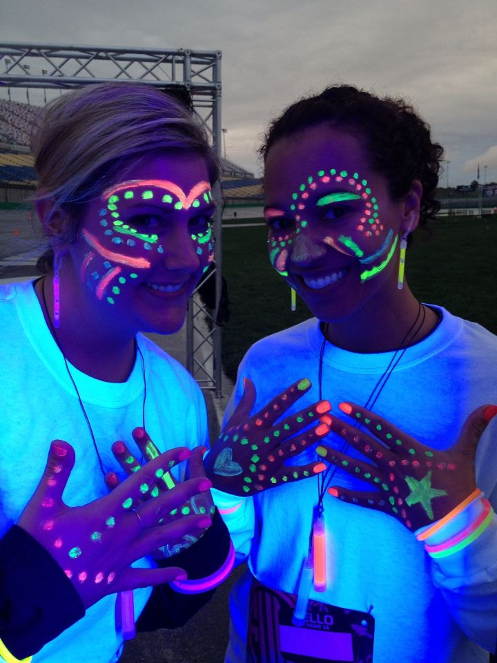Glow in the dark face paint for the Fun glow run