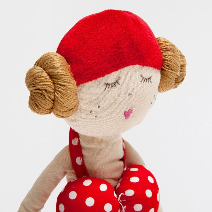http://www.zarahome.com/it/decorazione/giocattoli-e-peluche/peluche-donna-in-costume-da-bagno-c1594514p6910821-zhkidsit.html