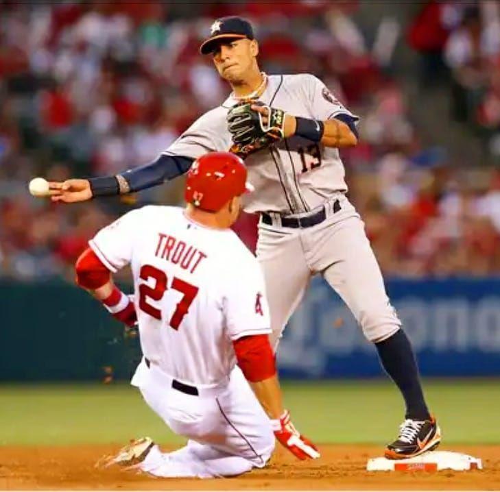 Happy birthday to @ronnycedeno5_oficial  ____________________________________  #newyork #playpro #playprogloves  #royals #baseball #softball #leather #personalize #custom #customMade #miami #follow4follow #like4like #instalike #chicago #texas #orioles  #yankees #dodgers #mets #giants #cubs #marlins #redsox #detroit #cardinals . #mlbnetwork #baseballglove #losangeles #la