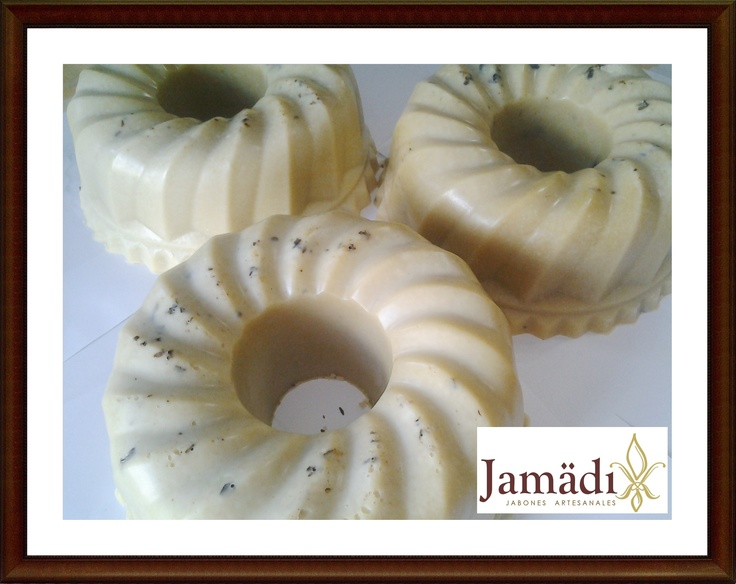 Pasteles de Jabón! para tu Evento! Imagina, una Rosca de Chocolate, Cafe, Miel  , Kiwi de cada uno! .. y darlos en rebanadas a tus invitados!