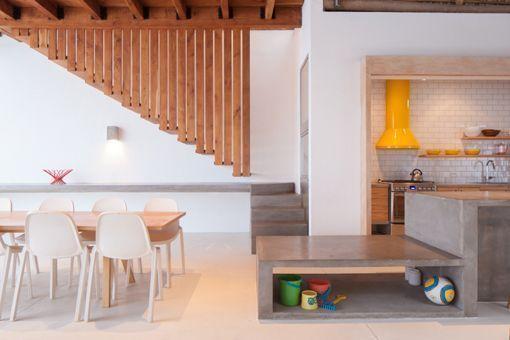 Casa de playa en un rancho de diseño: escaleras