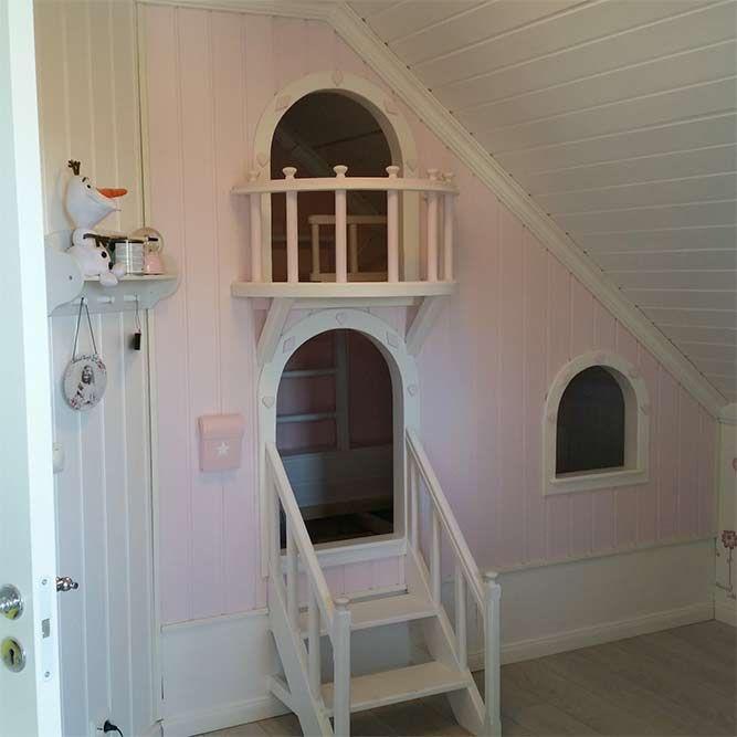 Da Tuva Marie på 3 år skulle have ny seng, byggede hendes far en prinsesseseng i to etager med balkon og skrivepult. Se alle de søde billeder.