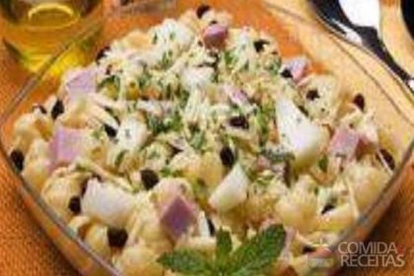 Receita de Salada ao vinagrete de melão com presunto em receitas de saladas, veja essa e outras receitas aqui!