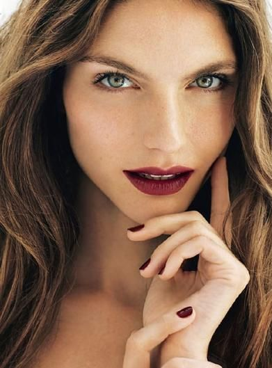 Are you a bride who loves a wine-colored pout? Learn how to make it work for your big day.: