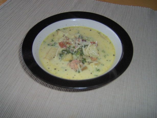 I got this recipe off this group i joined and Ive been dying to try it out. I havent been to olive garden in over a year, so this is as close as i can get. Honestly, I could barely tell the difference, and it was my favorite part of eating there. The soup. This is SO good, and excellent with breadsticks! I garnish it with shredded parmesan cheese and fresh ground pepper.   Jan 2011- ETA I just wanted to thank everyone for the great reviews...this is still a staple in our house, glad to see…