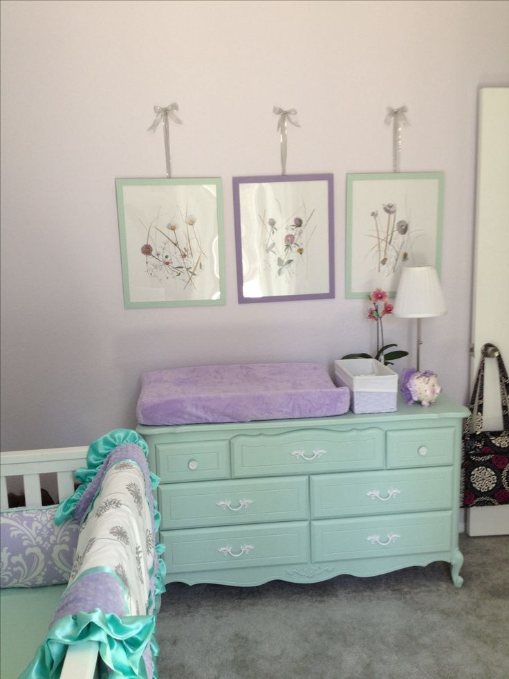 LOVING mint and lavender for a baby girl nursery colors. Not a fan of the wall decor here but love the colors.