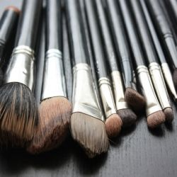 A quick and easy way to keep your makeup brushes clean and sterile with a few ingredients found in your kitchen!