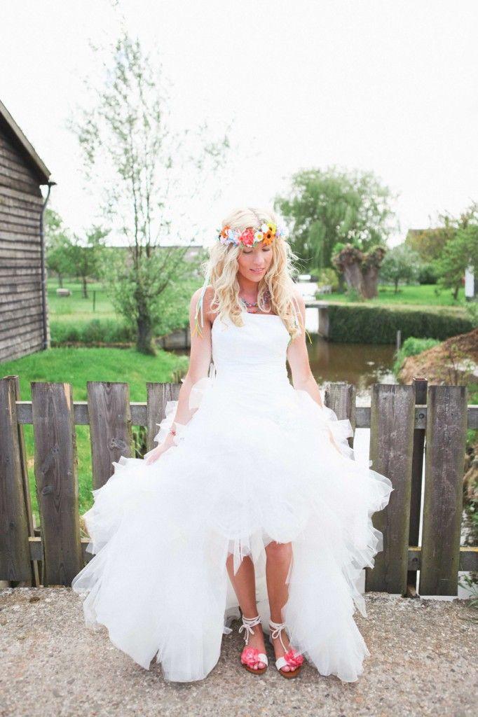 Lucky Girl Siets in haar voor kort achter lang trouwjurk van Assepoester: www.assepoesterfeestkleding.nl