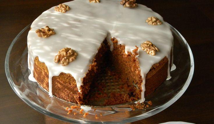 Ciasto marchewkowe  - nigdy wcześniej nie miałam okazji zakosztować tego ciasta, jakoś sama nazwa, że marchewkowe, specjalnie mnie nie za...