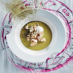 Baby marrow soup with green tea and pavlova