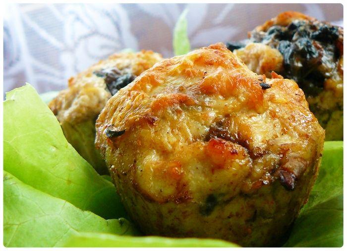 http://ostra-na-slodko.pl/2012/09/23/muffiny-z-kurczaka-z-pieczarkami/
