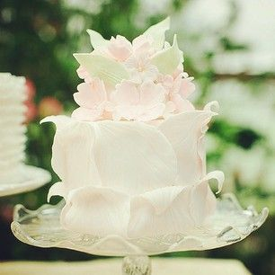 This fairytale like treasure. | 24 Of The Most Beautiful Wedding Cakes Of 2014
