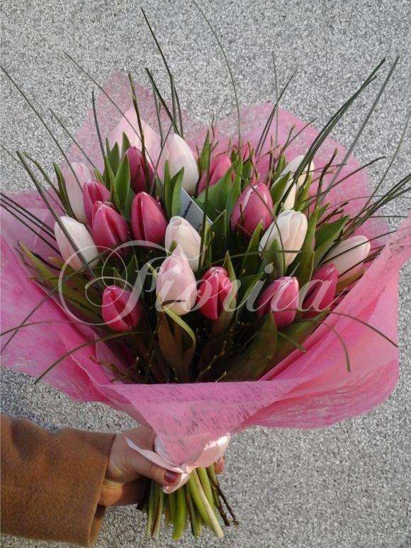 Kytice z 25 tulipánů
