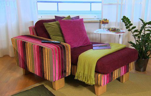 Verhoiltu nojatuoli#sisustusminna #sisustussuunnitteluminna #värikäs #colourful #iloinen #olohuone #livingroom