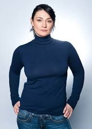 Born: December 3rd 1974 ~ Natalie Joy Robb is a Scottish actress. She is known for her roles as Trish McDonald in the Scottish Television soap opera Take the High Road and as Moira Dingle (nee Barton) in the ITV soap opera Emmerdale, a role she has played since 2009.
