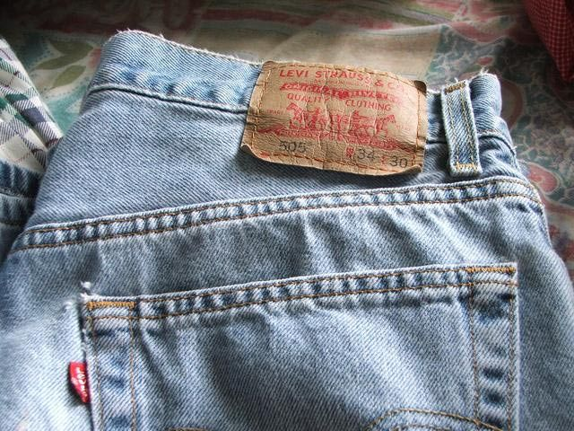 Get the Facts on Levi Strauss and the History of Blue Jeans