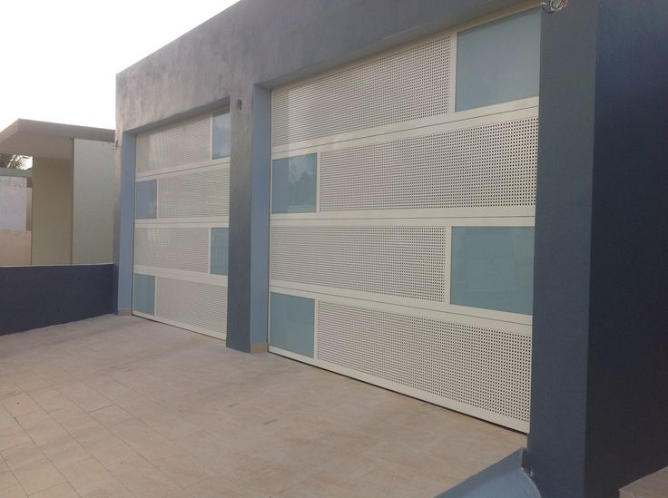 puertas de garaje 100 aluminio combinadas al gusto del