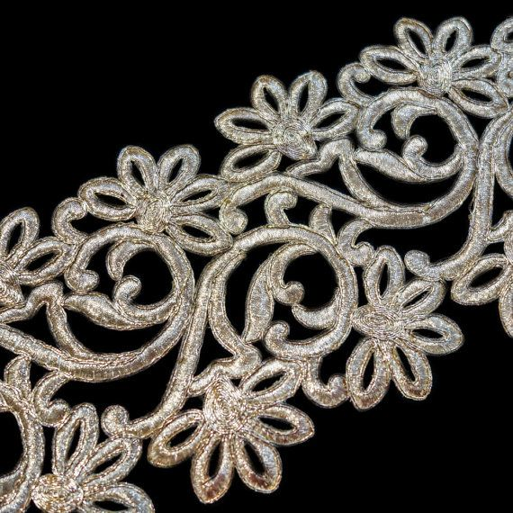 Broad gold metallic thread with outline cutwork by ColourCocoon