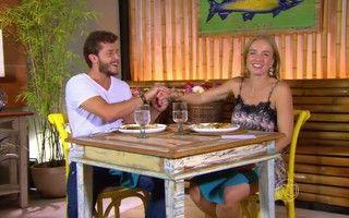 Kleber Toledo http://globotv.globo.com/rede-globo/estrelas/t/programas/v/klebber-toledo-ensina-a-fazer-salmao-ao-molho-de-maracuja/4000625/