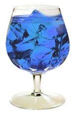 World Cup: Bebida Energizante  Curaçao Azul  Licor de Durazno   Vodka Manzana    Receta: En una copa tipo balón con hielo agregue 1oz de vodka de manzana, ½oz de licor de durazno, un toque de azul de curazao y termine con un toque de bebida energizante, sirva y disfrute.
