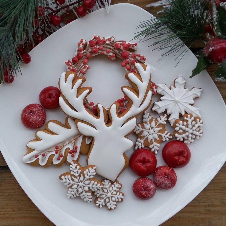 Скандинавский стиль бесконечный источник МОЕГО вдохновения Северное Рождество — это всегда лаконично и стильно #пряникимедовые #рождественскиеподарки #олени #волшебныйпряник