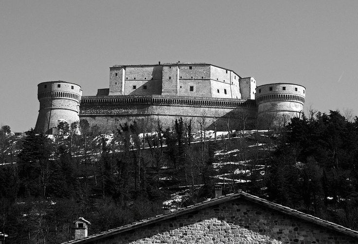 TOURISM in The Marches Region – ITALY - SAN LEO - Rocca di San Leo - © Copyright Photo Piero Evandri - www.italiamarche.com