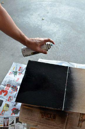 DIY: HAZ TU PROPIA PIZARRA VINTAGE  Cómo hacer una pizarra con un toque antiguo y vintage en www.unabodaoriginal.es/blog