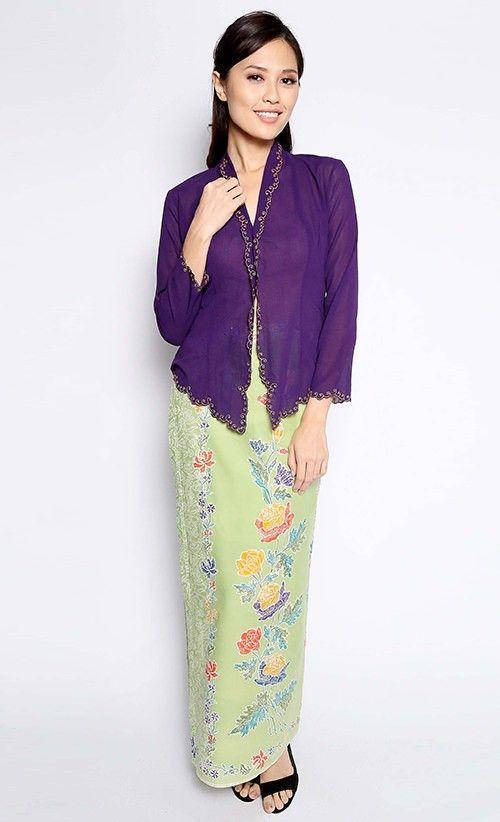 Leila Kebaya Nyonya in Purple | FashionValet