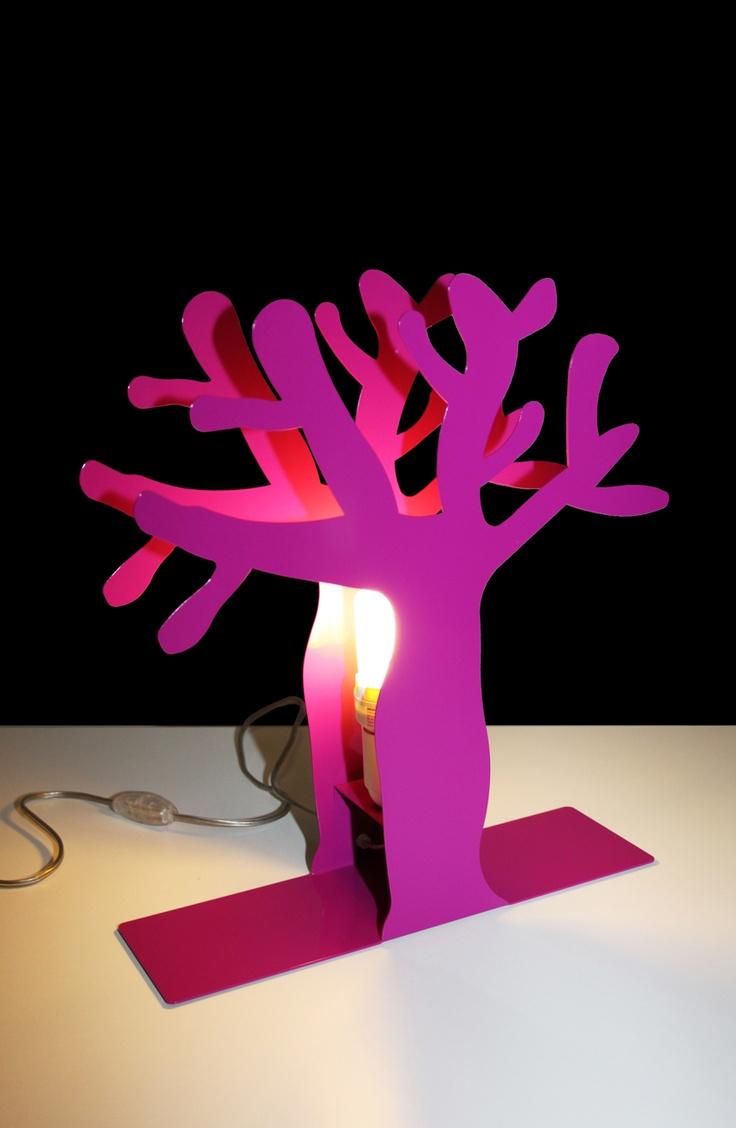 """NUOVISSIMA COLLEZIONE COLORI - NARCISO VIOLA - Narciso lampada in acciaio. Lampada in acciaio Narciso, dalla collezione """"Foresta Rituale™"""" by Gianluca Centurani Design."""