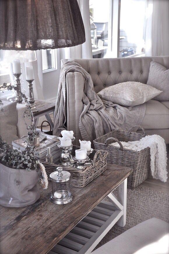 Living roomy ~ I love the colour