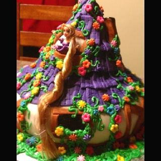 Rapunzel cottage cake!Cottages Cake, Cookies Cupcakes, Cake Pop, Rapunzel Cottages