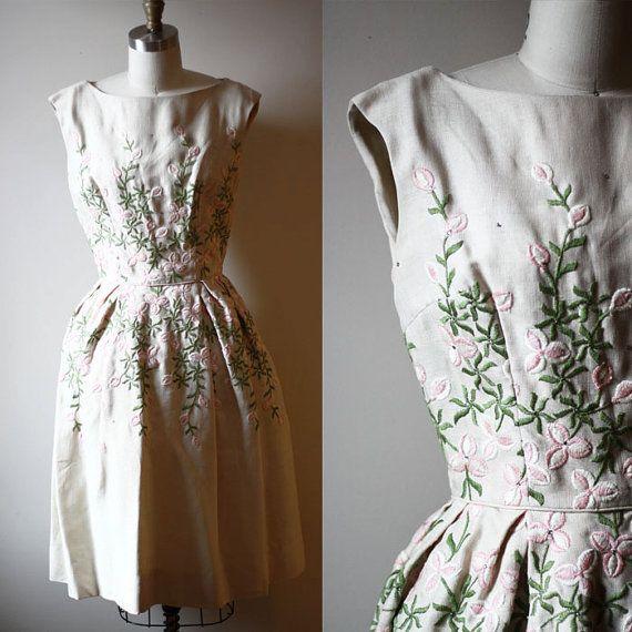 1950s floral embroidered dress // garden party dress // vintage dress