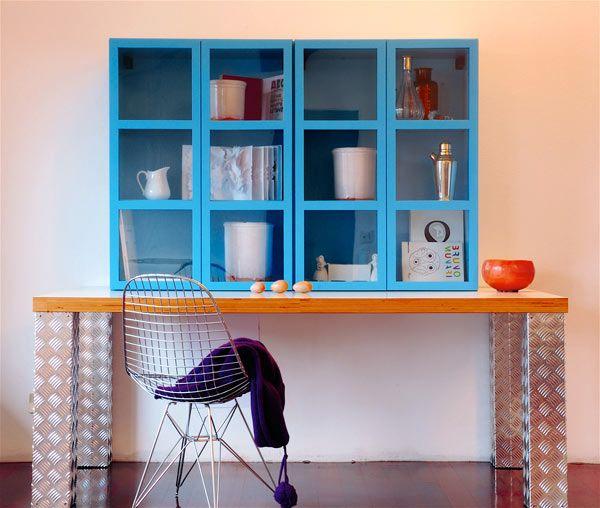 Librerie e scaffali: Libreria Book [b] da Ideal Form Team design: Titti Fabiani / UK distribution by Milani Home London #madeinitaly #design #interiordesign #bespokefurniture