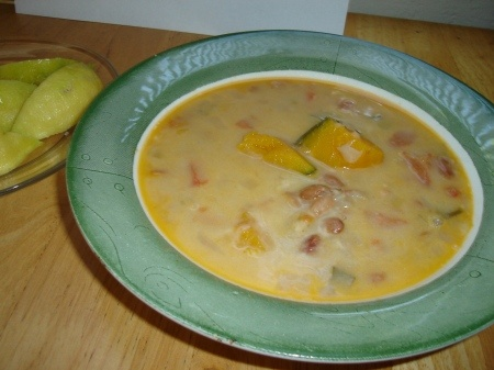 poroto quesu-pinto bean/cheese soup from Paraguay   (and several other traditional recipes)