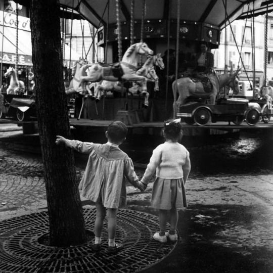 Together to the carousel, Paris, 1950's, Kees Scherer. Dutch (1920 - 1993)