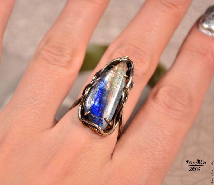 Купить Кольцо Кианит - wire wrap, wrap, wire, strelka, подарок, синий, перстень с камнем