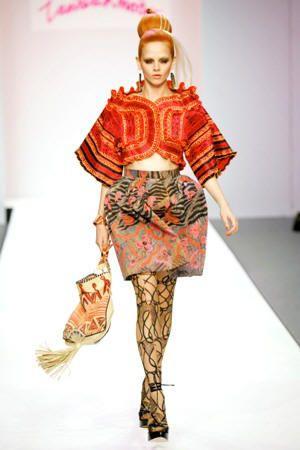 aztec_zandra_rhodes_fashion.jpg (300×450)