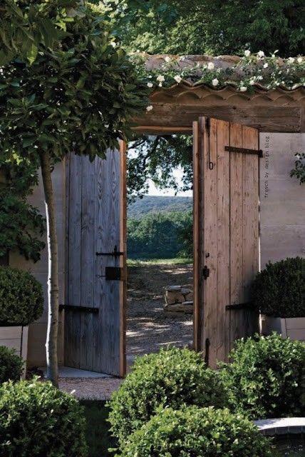 Modern Gardens, The Doors, Rustic Gardens, Secret Gardens, Gardens Design Ideas, Rustic Doors, Gardens Gates, Gardens Doors, Wood Doors