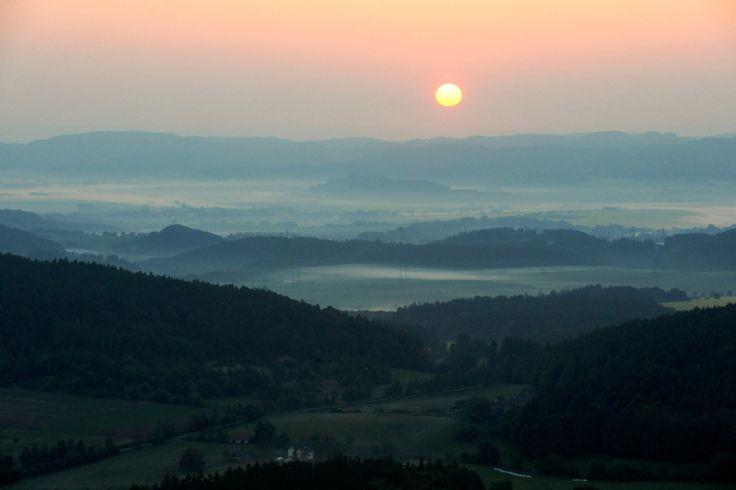 Východ slunce nad Moravou