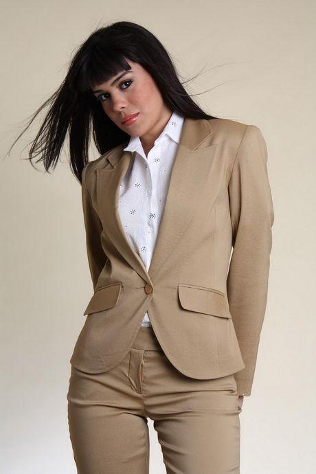 M s de 25 ideas incre bles sobre trajes sastre para dama Diseno de uniformes para oficina 2017