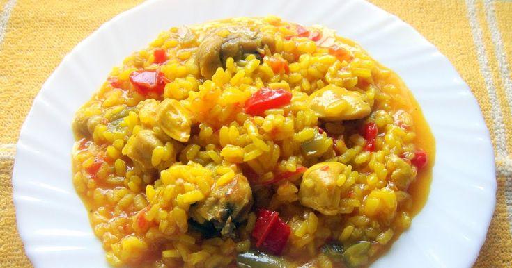 Hay mil maneras de preparar el arroz y esta es una de ellas. Comida casera de toda la vida. Antiguamente se preparaba en las celebracione...