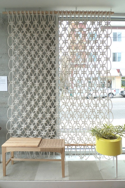 Macrame room divider: Crochet Curtains, Idea, Wall Hanging, Macrame Curtains, Wall Dividers, Window Treatments, Rooms Dividers, Knot, Window Covers