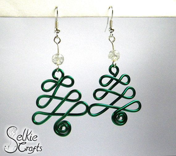 Christmas Tree Earrings by SelkieCrafts on Etsy £15. Can't find what you want in my shops? Just message me and I'll gladly add it to the shop for you. festive earrings, seasonal earrings, tree earrings, dangle earrings, fun earrings, secret santa idea.